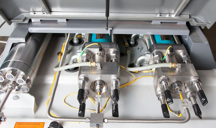 Flow ultrahigh-pressure pump technology as the foundation of the Mach 500